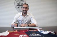 Diego-Godin-200924-Signs-1050