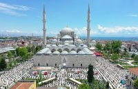 Friday-prayers-held-in-Turkey-for-the-first-time-since-virus-outbreak_7